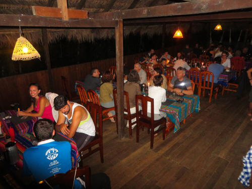 TURISMO ORIENTE DEL ECUADOR: the cosy restaurant of the Cuyabeno Lodge.