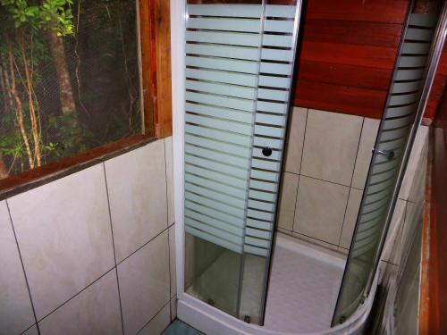 TURISMO ORIENTE DEL ECUADOR: Modern showers at the Cuyabeno Lodge.