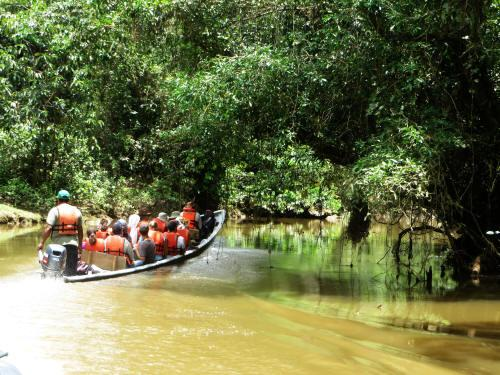 TURISMO ORIENTE DEL ECUADOR: Navigating down the upper Cuyabeno River.